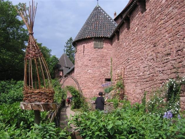 Jardin médiéval en Alsace (67600 Orschwiller) - Jardins et ...