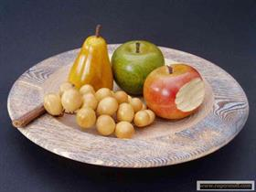 coupe de fruits en bois