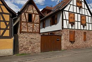Spaziergang im Dorf Dachstein