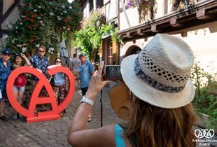 Le célèbre A coeur, symbole de l'Alsace au Marché Nocturne