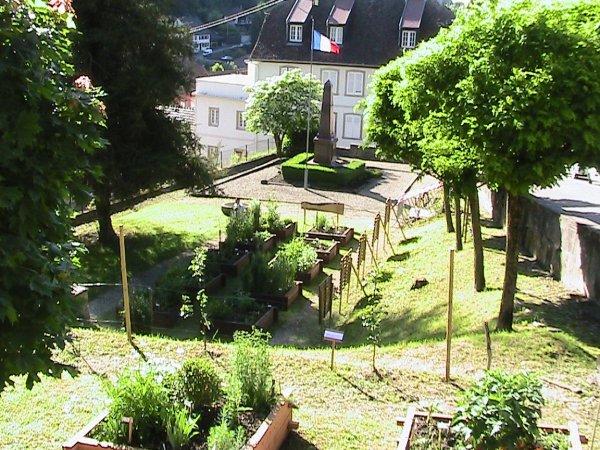 Jardin m di val le courtil de st fiacre for Jardin medieval