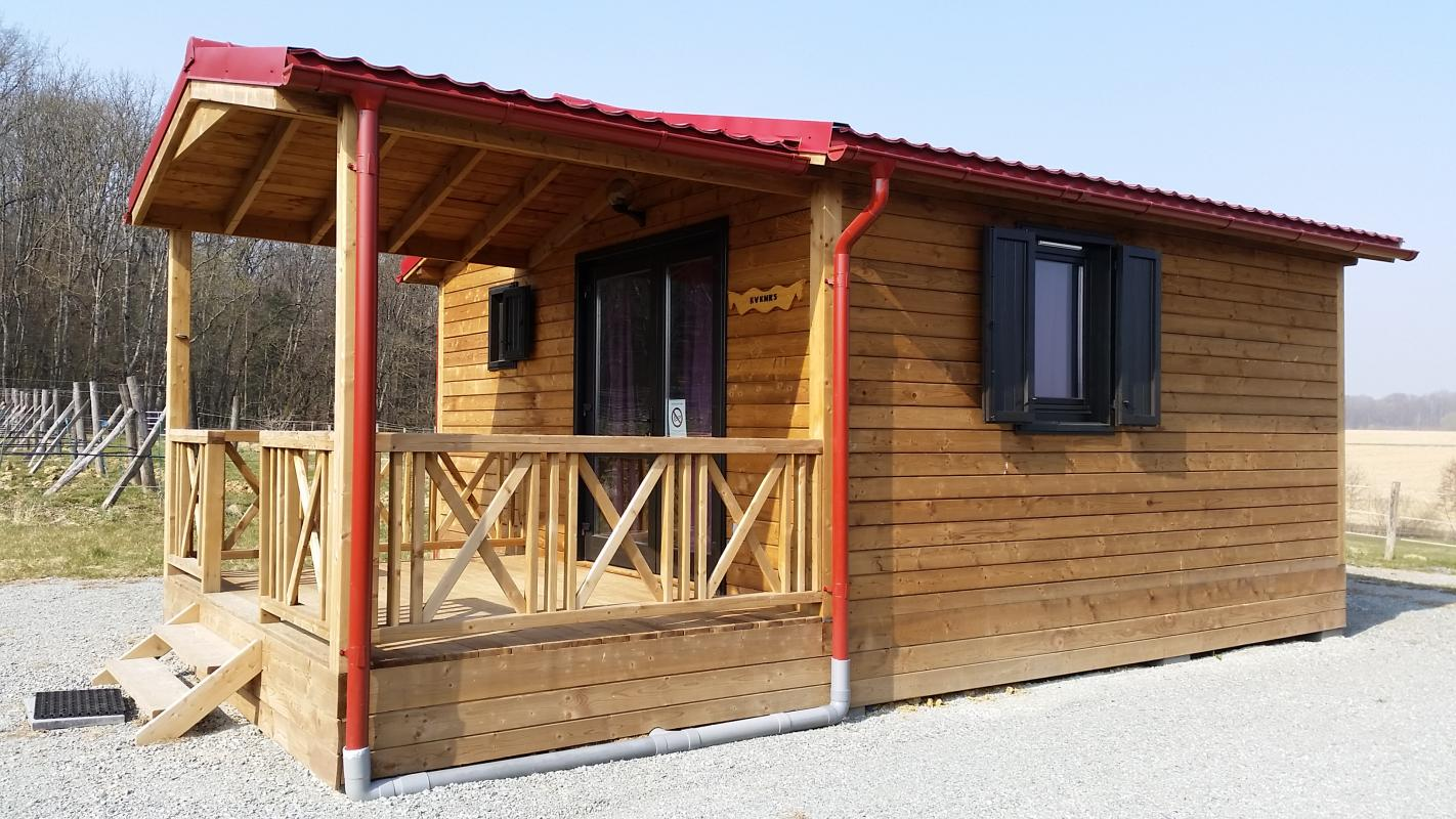 Cabane en bois Chalet HLL Evenks httpwwwtourismealsacecomfr  ~ Cabane Canadienne En Bois