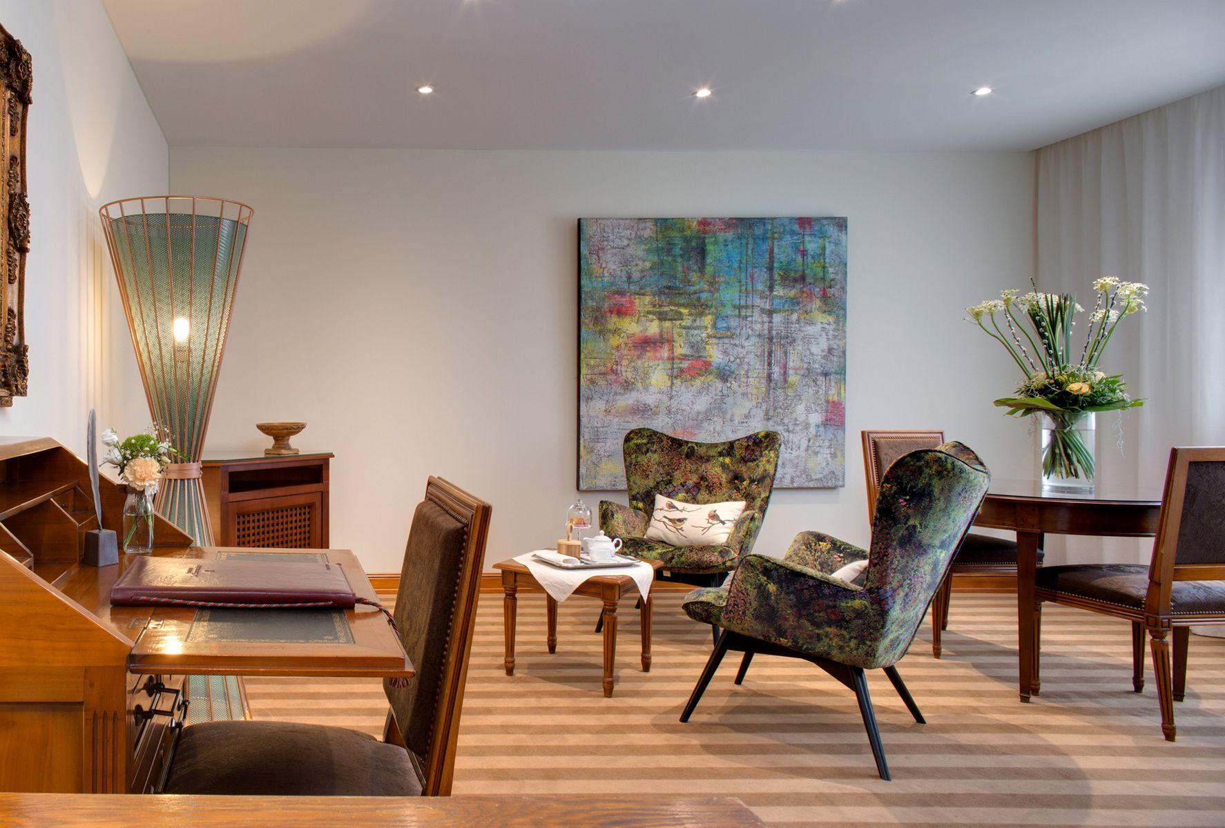 hostellerie la cheneaudi re spa relais ch teaux. Black Bedroom Furniture Sets. Home Design Ideas