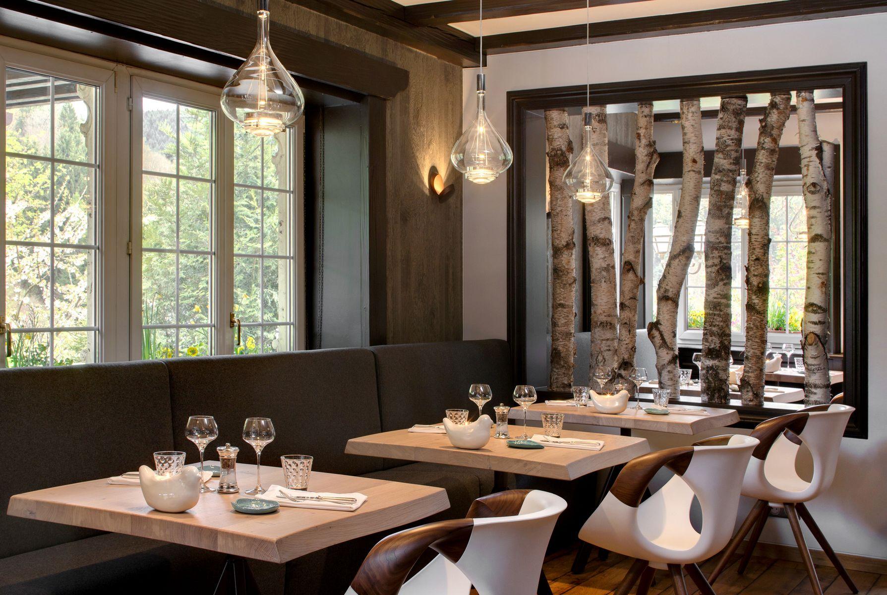 restaurant la cheneaudi re. Black Bedroom Furniture Sets. Home Design Ideas