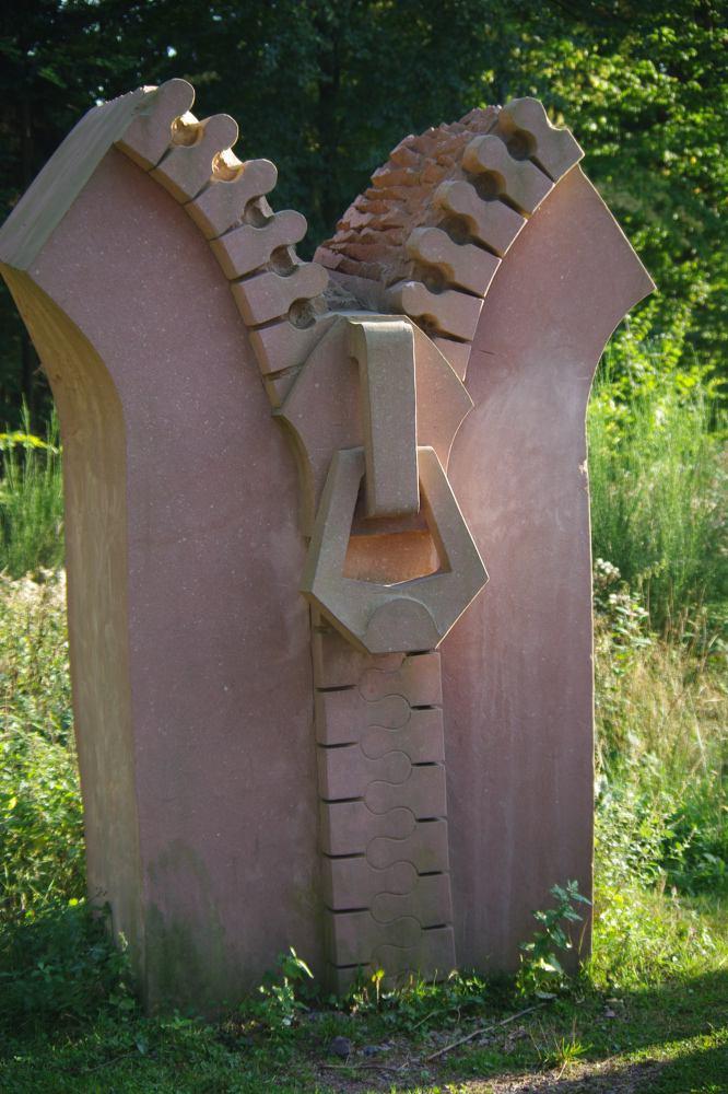le sentier de sculptures contemporaines in situ lutzelhouse. Black Bedroom Furniture Sets. Home Design Ideas