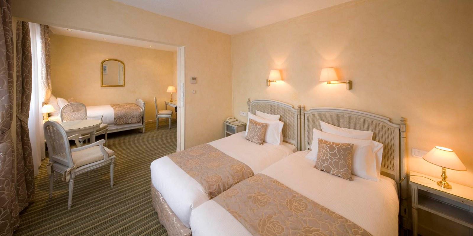Best Western Grand Hotel Bristol, Colmar, Alsace / www.grand-hotel-bristol.com (Chambre)