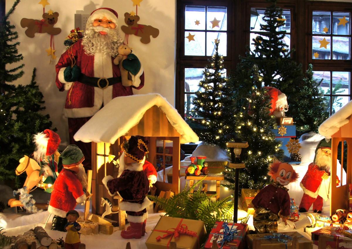 Colmar Weihnachtsmarkt.Touristinformation Colmar In Elsass Kunsthandwerker