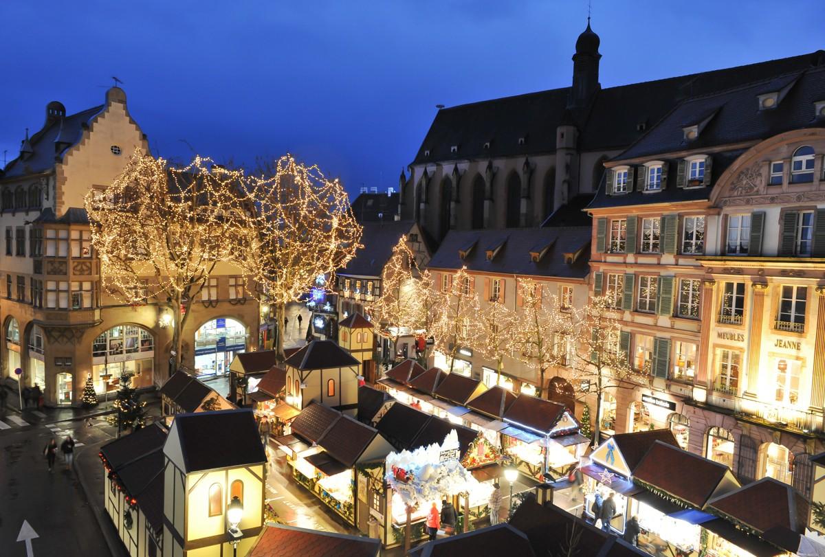 La magie de noël à colmar weihnachtsmarkt place jeanne darc