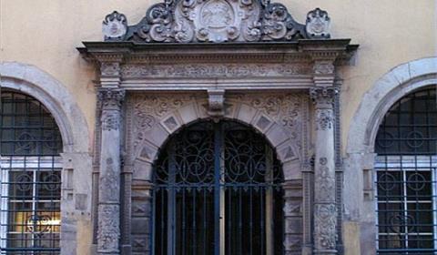 Porte d'entrée du poêle des laboureurs (OT Colmar)