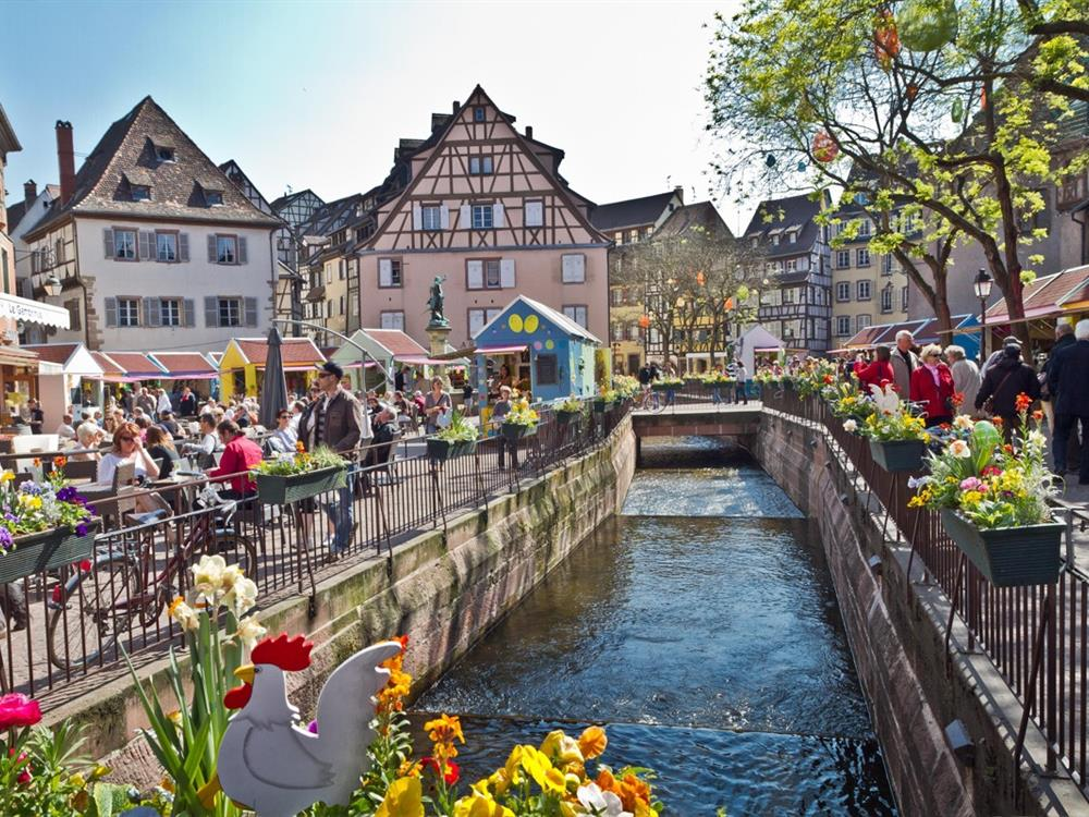 Colmar alsace france tourist office general public for Blue piscine colmar