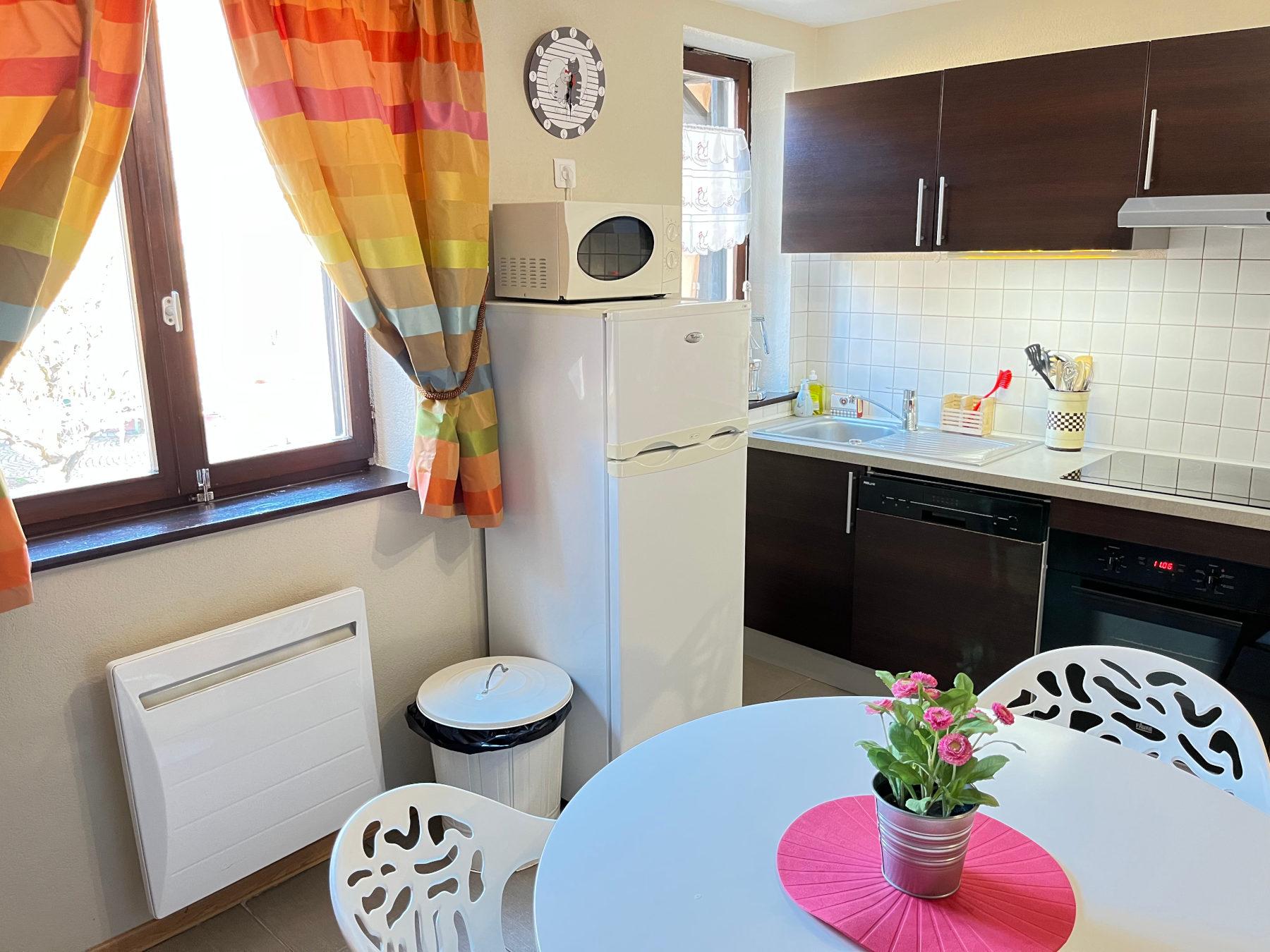 g te saint l on tania minni 37 grand 39 rue 68420 eguisheim france. Black Bedroom Furniture Sets. Home Design Ideas