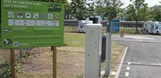 Aire de service pour Camping-Car - Camping Les Cigognes