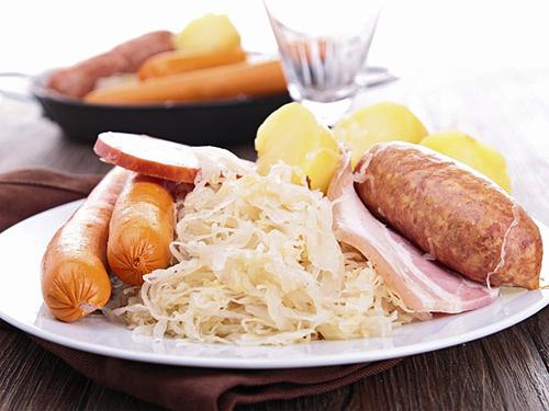 Repas choucroute, Gundolsheim, Pays de Rouffach, Vignobles et Châteaux, Haut-Rhin, Alsace