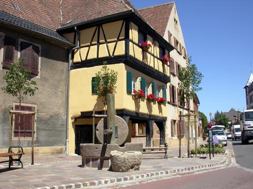 Maison aux Trois Dames, Rouffach, Pays de Rouffach, Vignobles et Châteaux, Haut-Rhin, Alsace