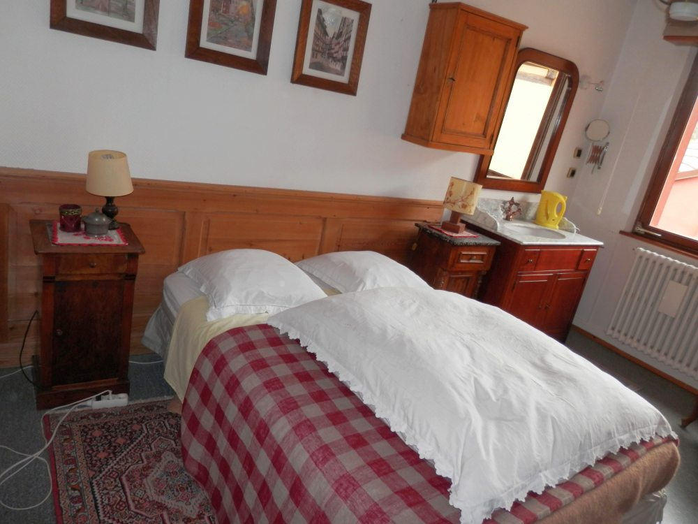 Chambres d 39 h tes au bal paysan jonquille muguet for Chambre de dormir