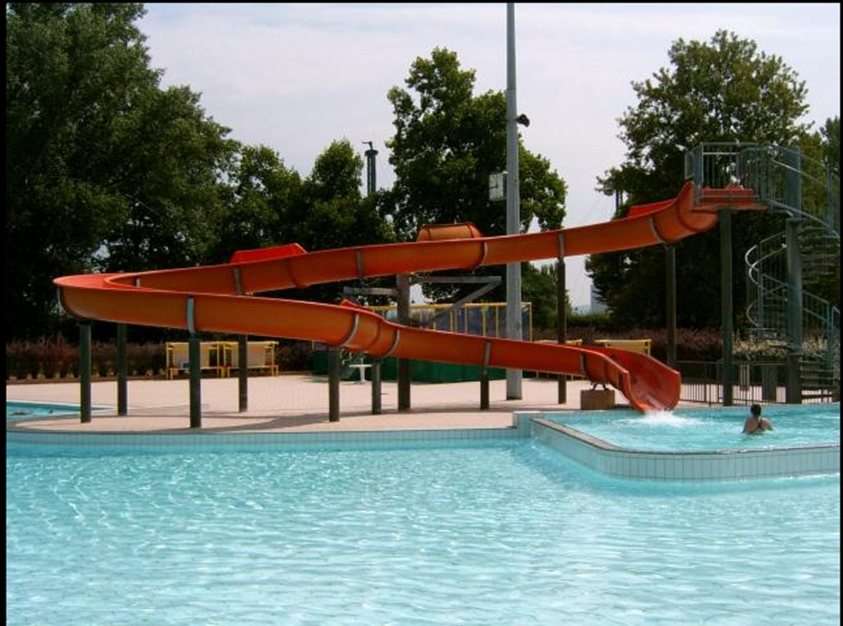 Centre nautique pierre de coubertin saint louis for Piscine de saint avold