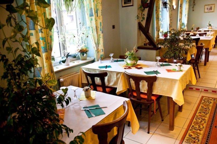 Restaurant A L Arbre Vert Rue Principale Kurtzenhouse