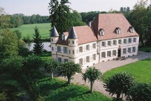 Le Château de Werde, au bord de l'Ill, à Matzenheim
