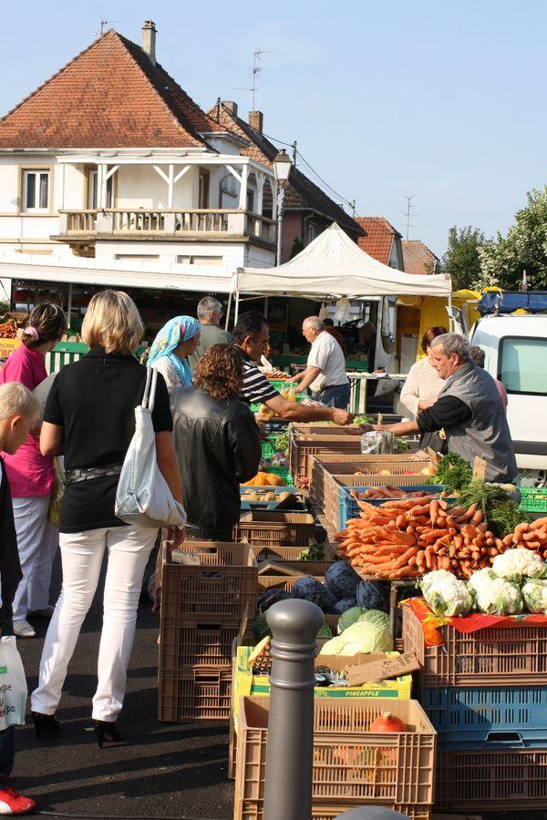 Petit marché du terroir du samedi matin à Benfeld