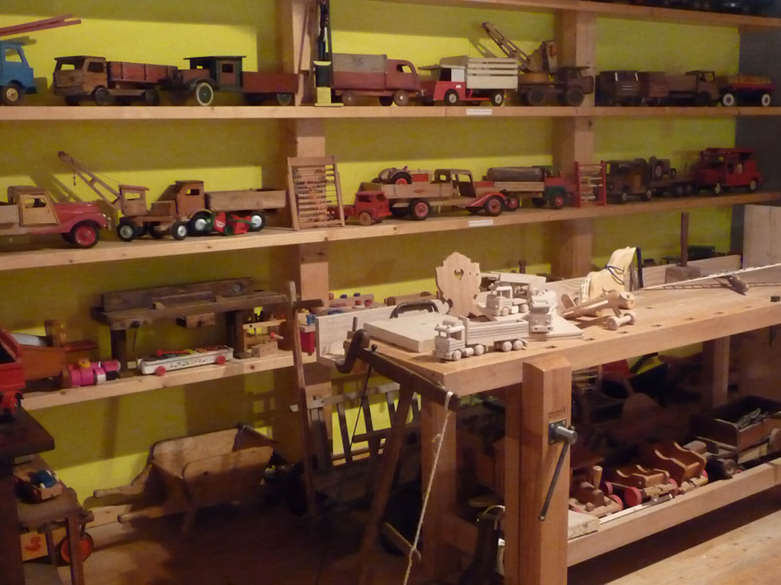 http://apps.tourisme-alsace.info/photos/kaysersberg/photos/musee-bois-labaroche-jouets.jpg