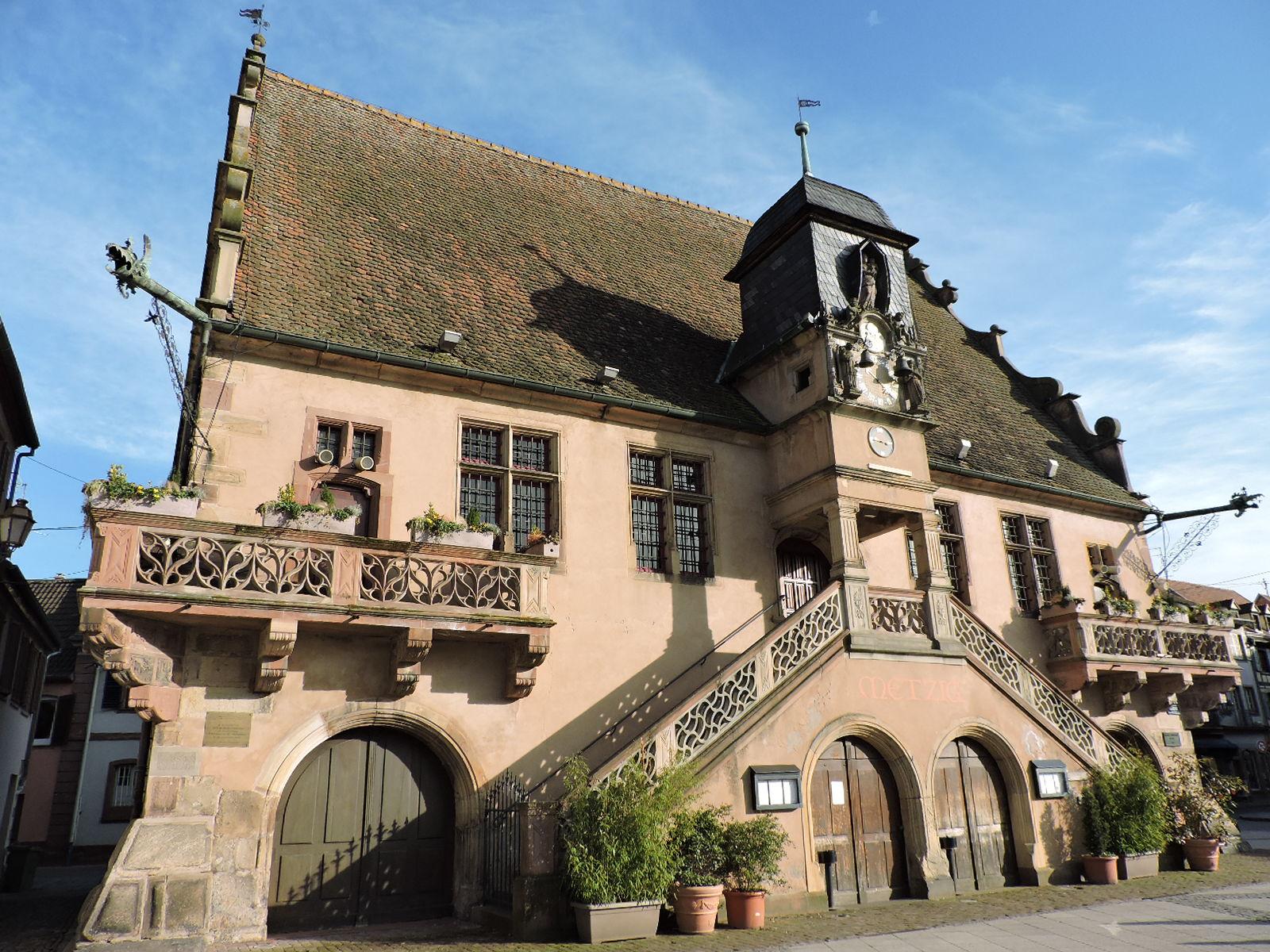 Place De L Hotel De Ville Molsheim