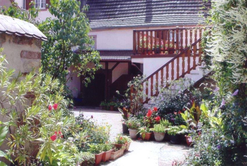 Meublé Jardin Fleuri entrée