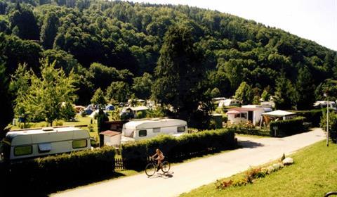 Camping avec piscine les amis de la nature luttenbach for Piscine munster tarif