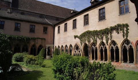 Enceinte du cloître Musée Unterlinden, Colmar, Alsace / www.musee-unterlinden.com Crédit photo : Musée Unterlinden