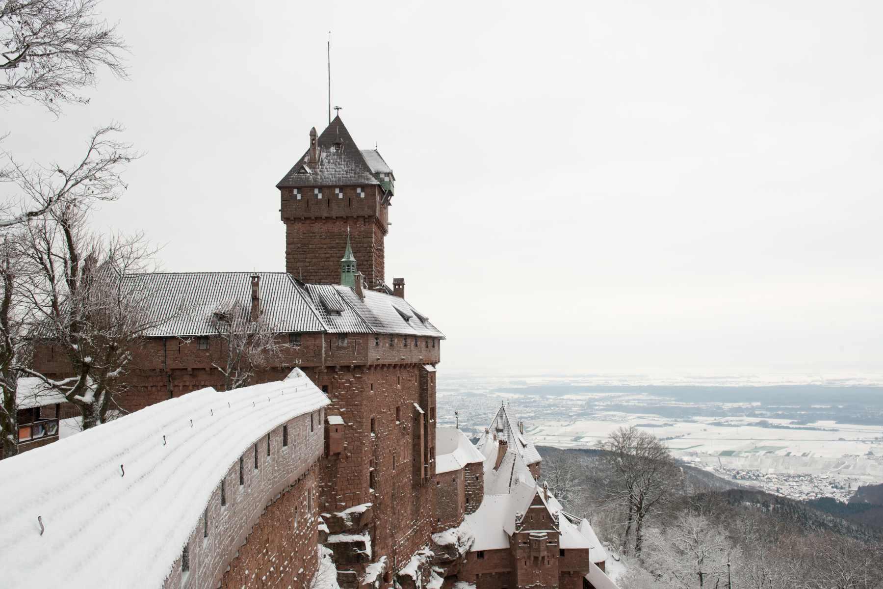 'Même tout blanc, il est ouvert !' - crédit photo : château du Haut-Koenigsbourg