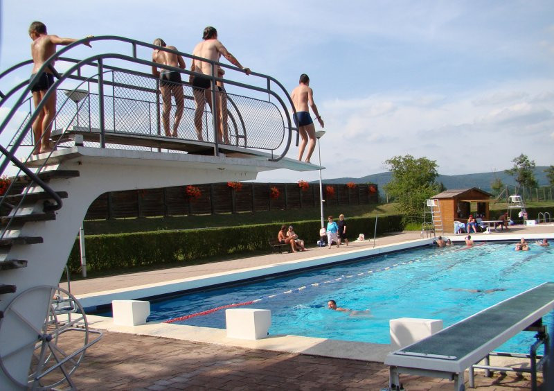 Swimming pools tourism and holidays in northern alsace for Piscine wasselonne