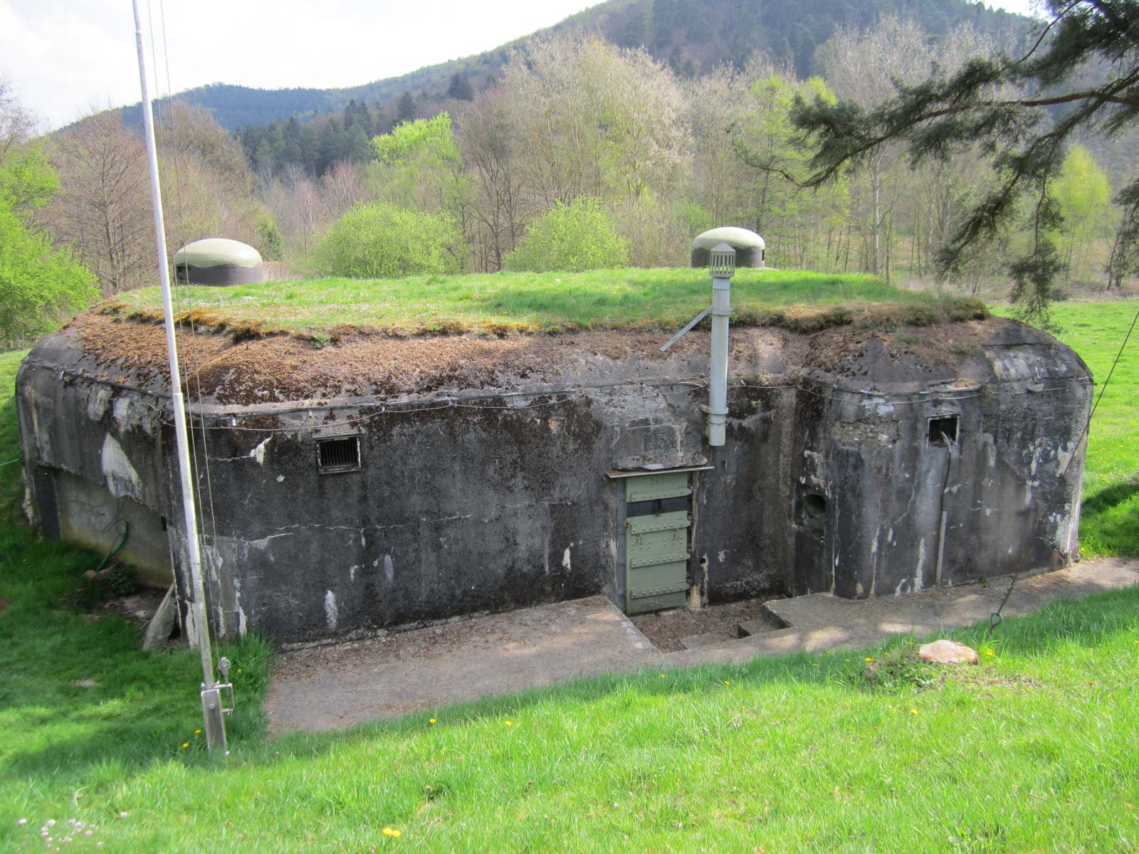 World War 2- maps photos images pictures Pictures of the maginot line