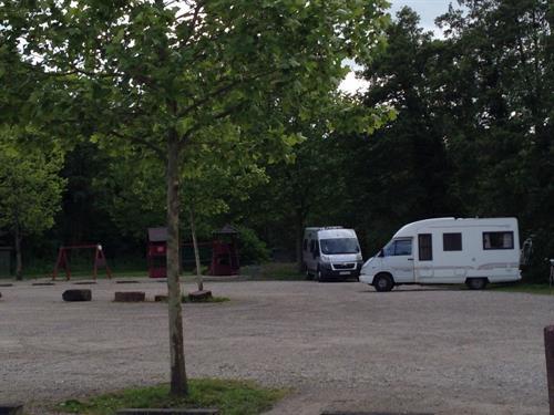 Aire de stationnement camping-car Piscine