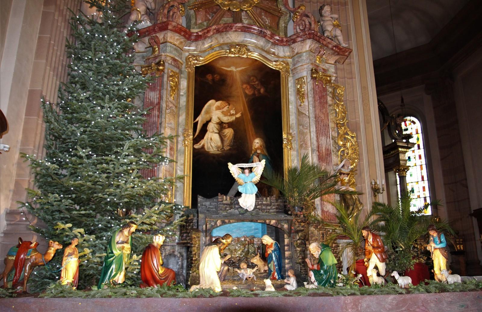 Sentier des crèches - église Saint-Michel