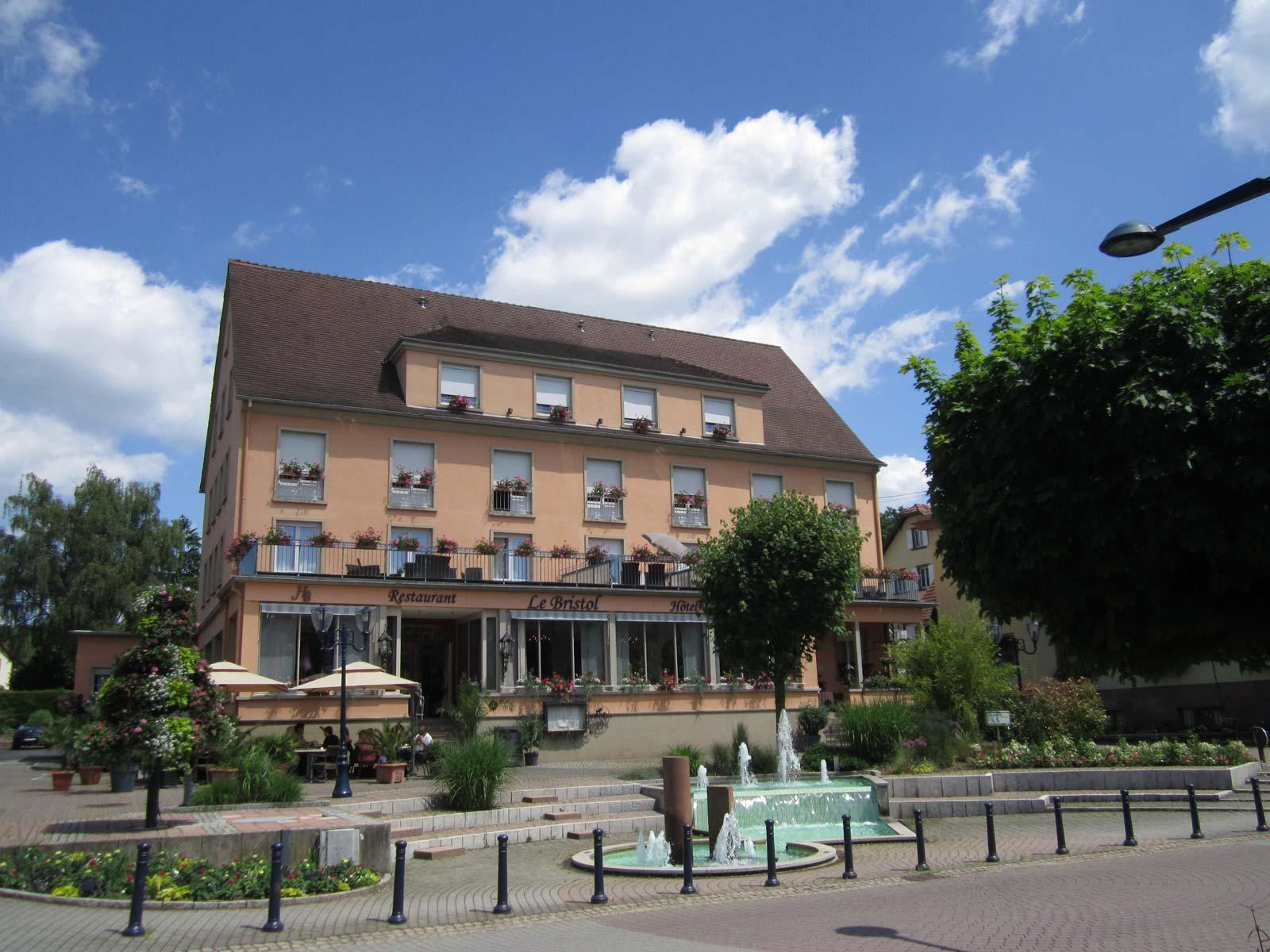 H tel restaurant le bristol for Hotel les bains alsace