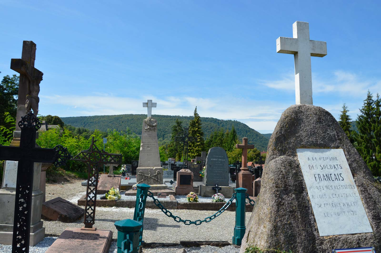 Tombs of the first victims of the war of 1870 for Hotel les bains en alsace