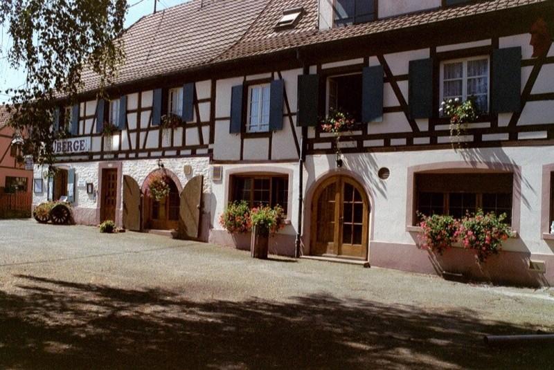 Furnished tourist accommodation COTTEL Gilbert / Liesel
