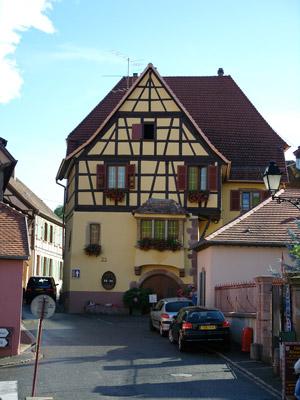 Meublé de tourisme BALTENWECK Roger - René