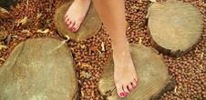 Sentier pieds-nus