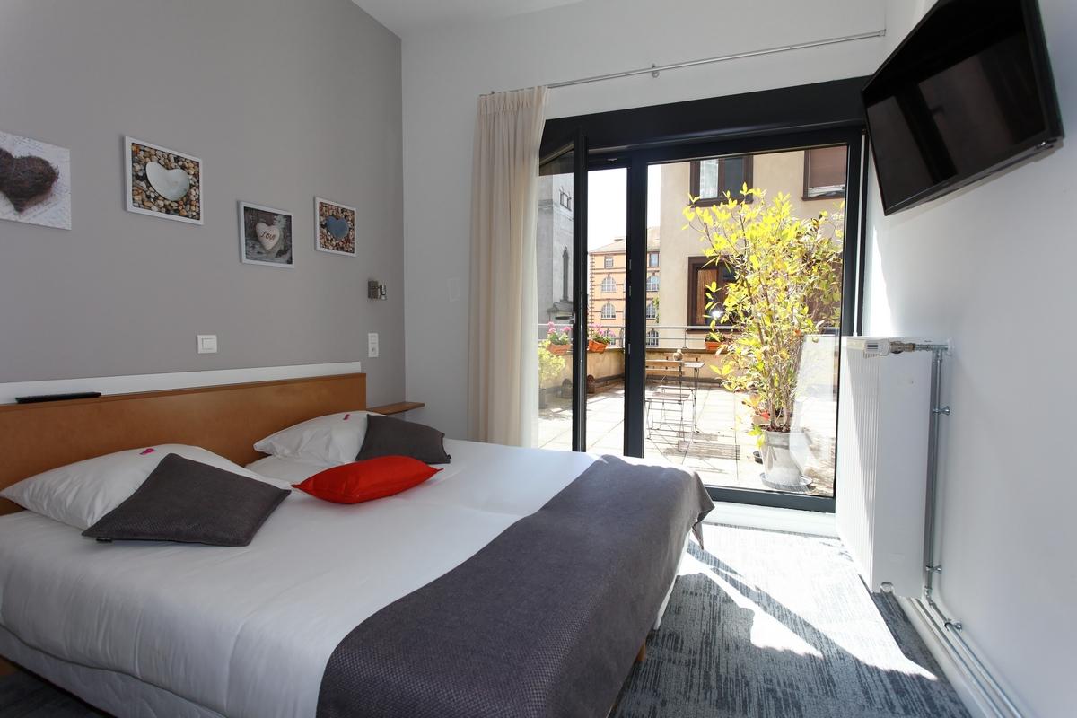 H tel de l 39 ill strasbourg 67000 recherche for Recherche hotel
