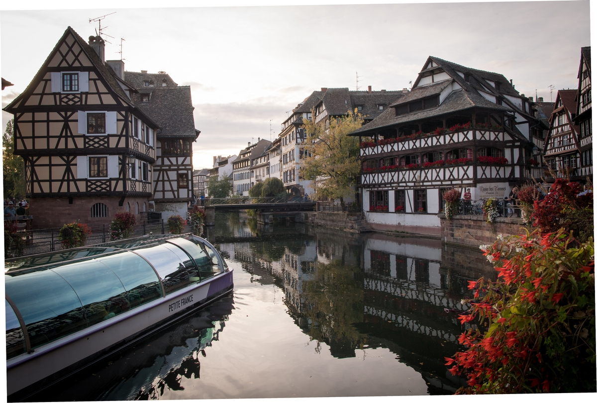 http://apps.tourisme-alsace.info/photos/strasbourg/photos/223008552_5.jpg