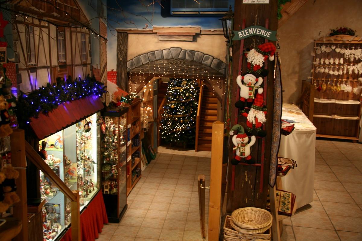 geschäft ganzjährig weihnachtsschmuck