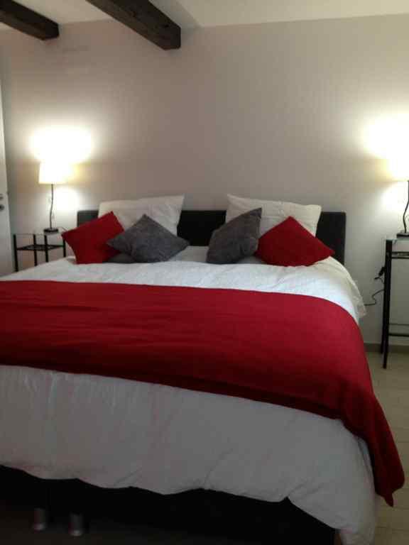 meubl le nid de la cath drale 1. Black Bedroom Furniture Sets. Home Design Ideas