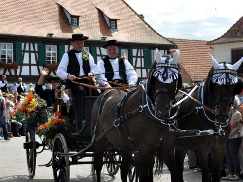Streisselhochzeit - Mariage traditionnel au bouquet