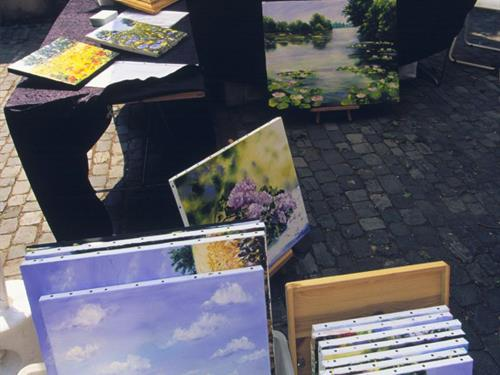 Outdoor art market