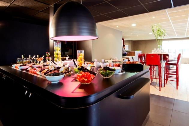 Hôtel-Restaurant_Campanile