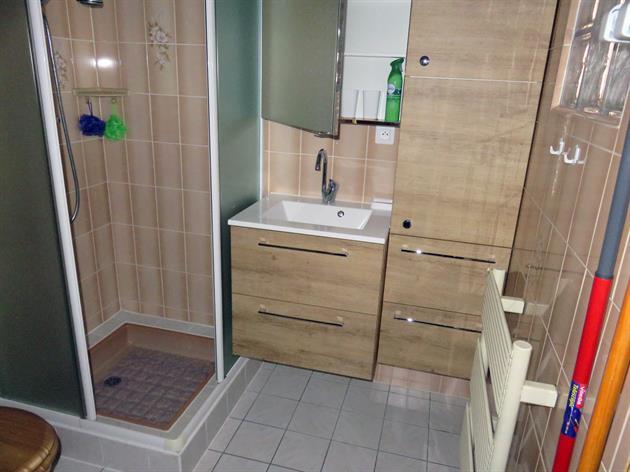 Meublé de M. Munsch, Alsace, salle de bains
