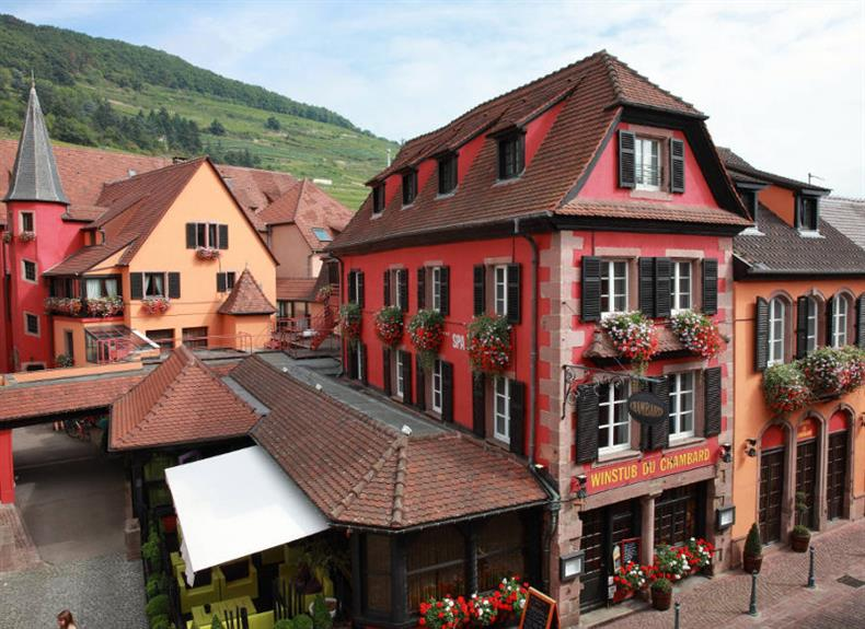 http://apps.tourisme-alsace.info/photos/kaysersberg/photos/rrestaurant-kaysersberg-chambard-table-d-olivier-nasti-facade.jpg