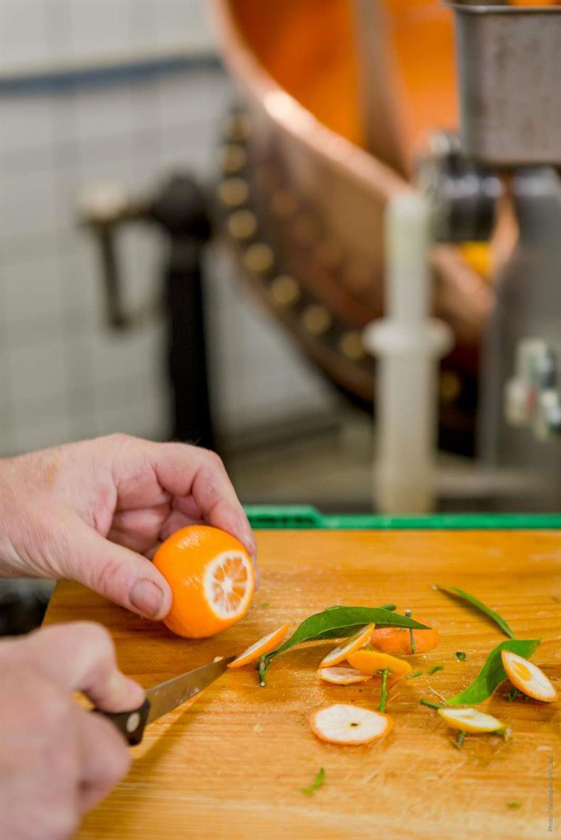 Des clémentines biologiques de Corse sont utilisées pour la fabrication de la confiture de Noël.