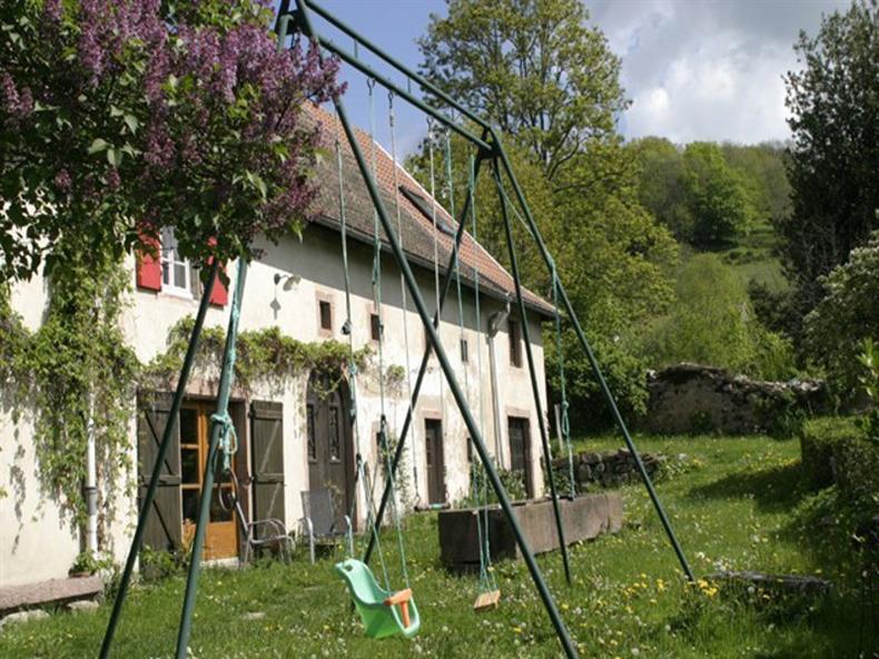 Gîte le Pré - Jardin Balancoire