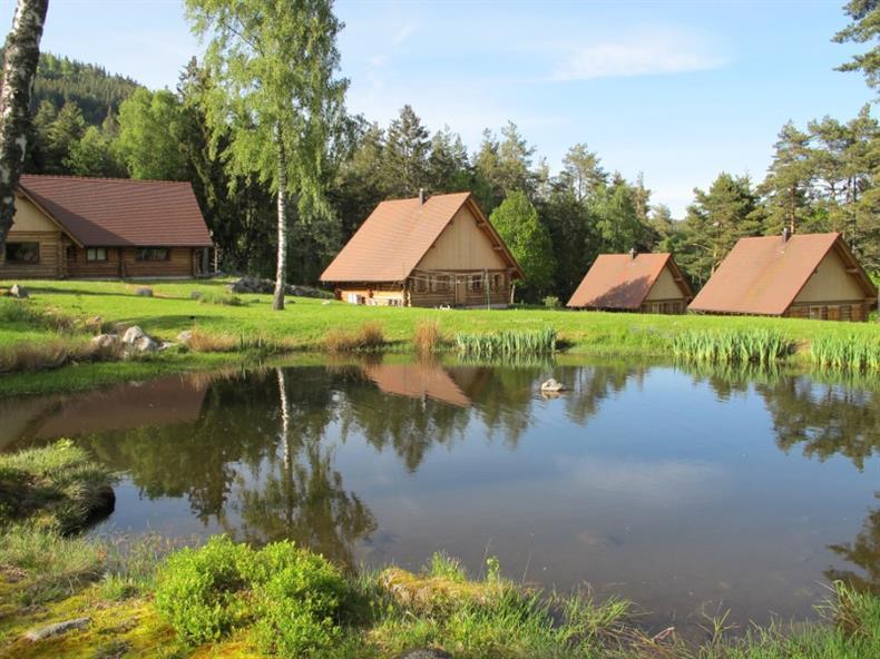 Les Lodges - Chalet Alisier - L'Etang en été